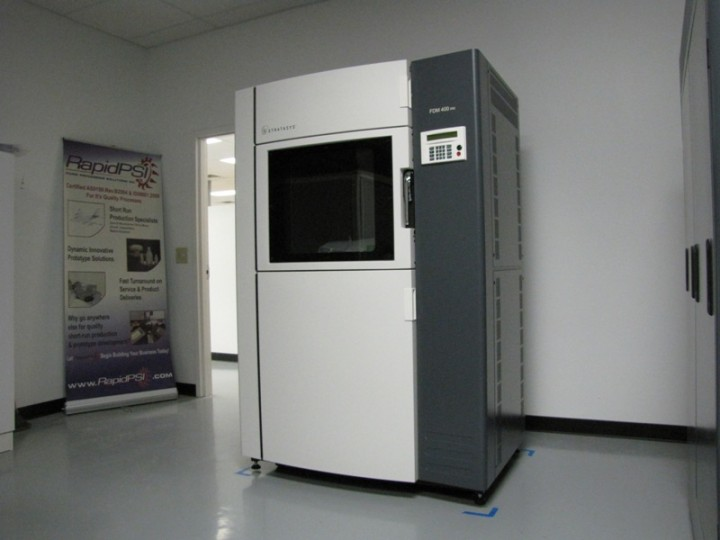 Stratasys Fortus 400MC machine is one of the machines used to make FDM parts at Rapid PSI.